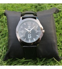Wrist watch  with black dial