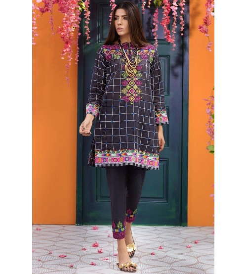Unstiched Beautiful Lawn Suite With Chiffon Dupatta