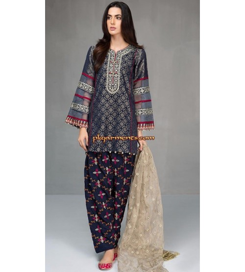 Linen Suit Embroidered with Wool Shawl
